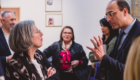 un débat entre deux personnes pendant un événement photographe Armen Hambardzumian